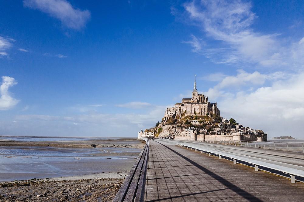 Mont Saint Michel mit Hund 001
